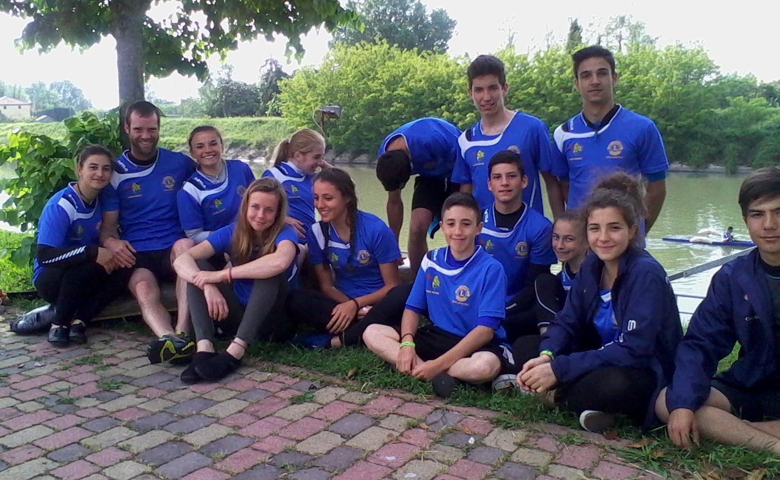 Squadra Lions  di Canoa giovanile