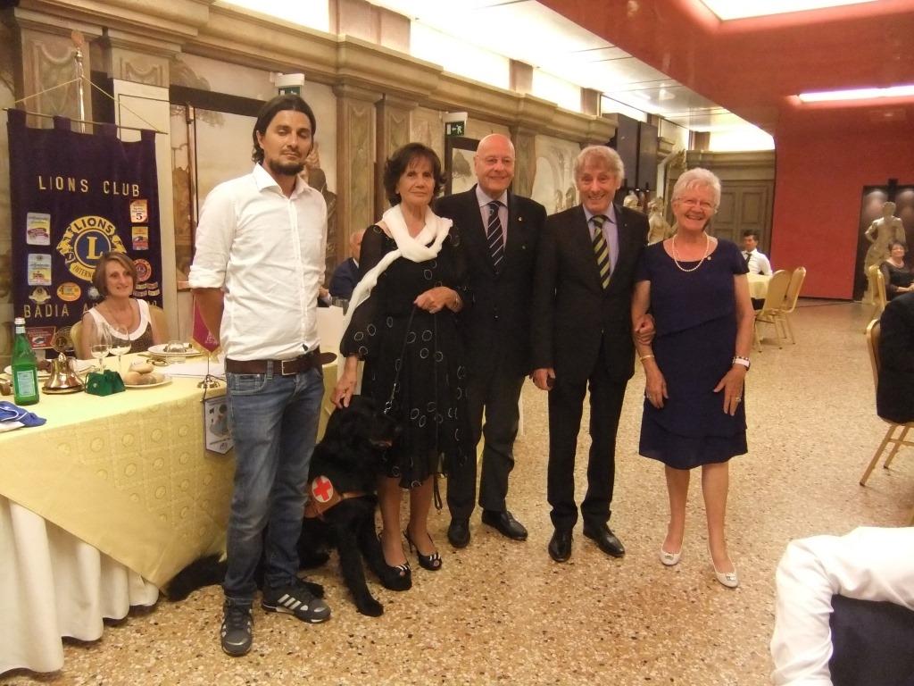 BADIA ADIGE PO: Donazione di un cane-guida per non vedenti