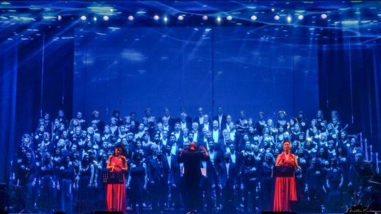 I LIONS DI MK E LA BIG VOCAL ORCHESTRA